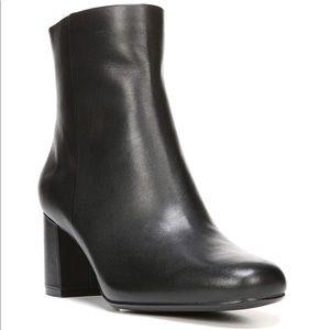 Naturalizer Black Leather Westing Block Heel Boot